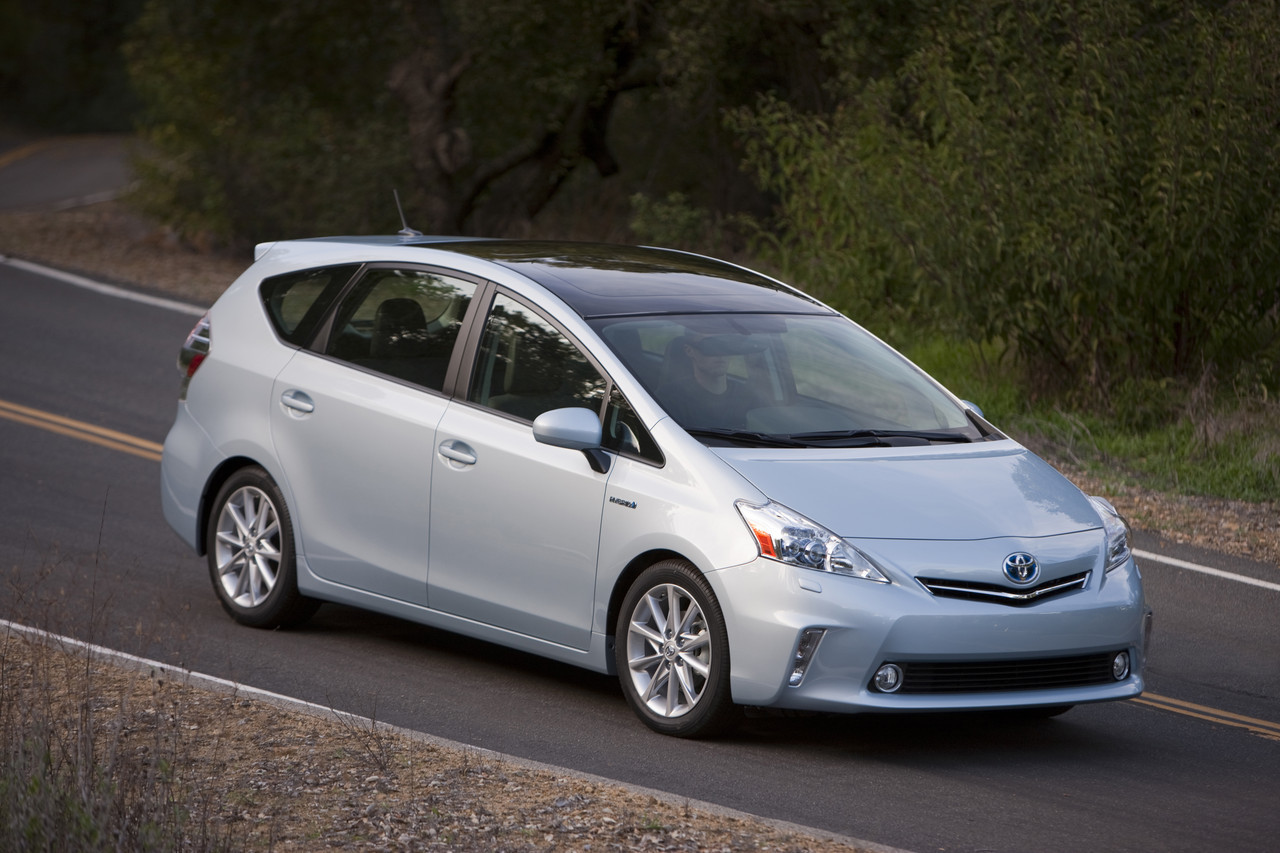 Foto de 2011 Toyota Prius v (28/77)