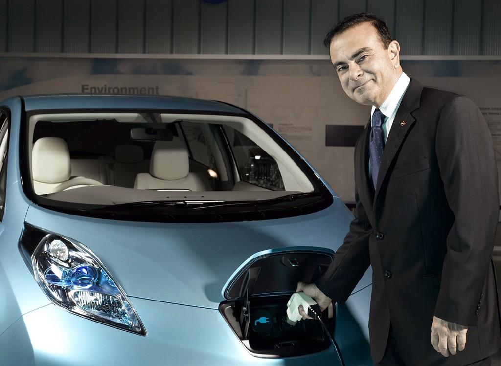 Carlos Ghosn Nissan Leaf