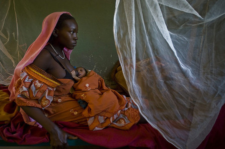 ¿Puede la leche materna proteger al bebé de una infección por el VIH?