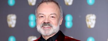 Graham Norton falla con su look de alfombra roja como presentador de los premios BAFTA