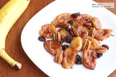 Plátanos caramelizados con ron y canela. Receta