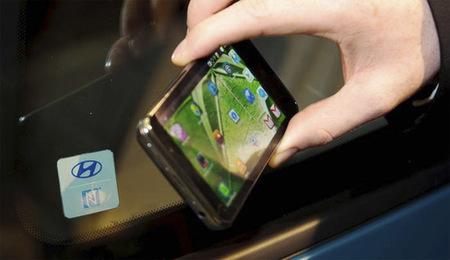 Utilizar el teléfono para abrir el coche, la nueva propuesta de Hyundai