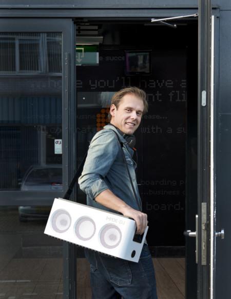 Armin van Buuren transportar