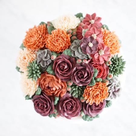 Las flores más bonitas de tu boda podrían ser las del pastel