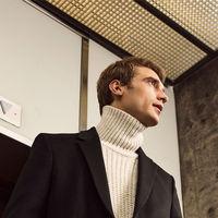 Zara nos propone mil maneras diferentes de lucir cuello vuelto y no pasar frío este invierno