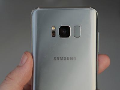 El Galaxy S8 y el problema de su lector de huellas para diestros
