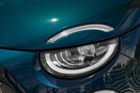 Fiat 500e luces delanteras
