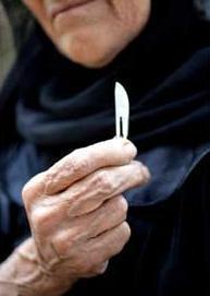 Retirada la custodia a unos padres musulmanes por riesgo de ablación a sus hijas
