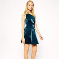 Vestido en azul metalizado