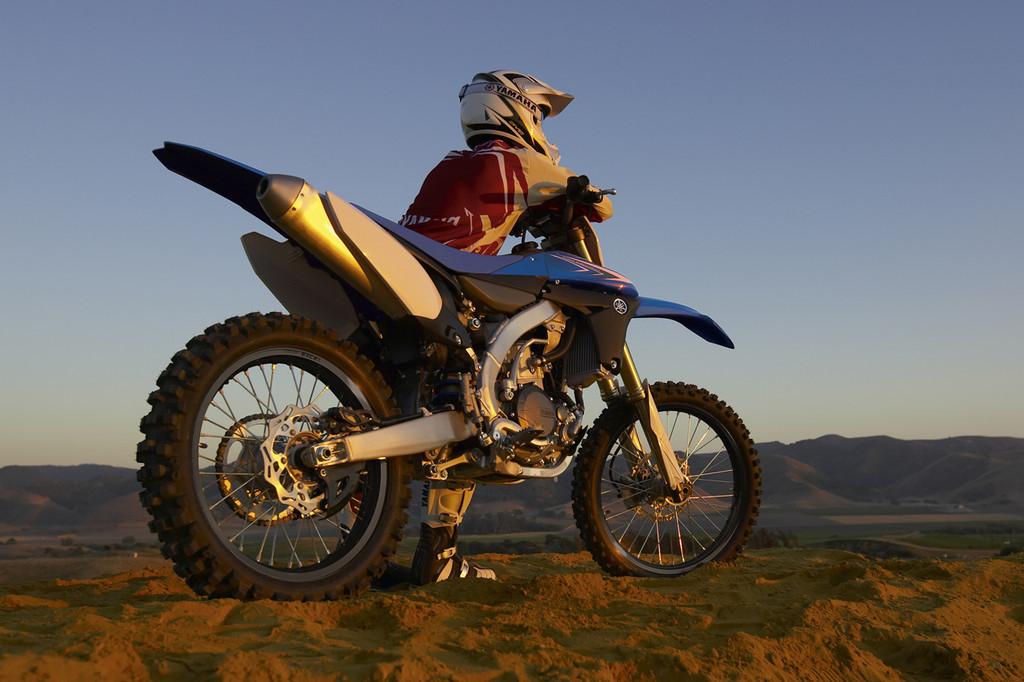 Foto de Yamaha YZ450F 2010, el mundo del revés (1/6)