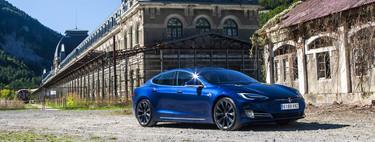Tesla no renueva modelos anteriores como hacen el resto de fabricantes: por qué el Model S no ha tenido generaciones como el Volkswagen Golf