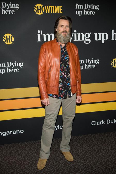 Con Una Barba Que Le Suma Siglos Jim Carrey Sabe Como Lucir El Print Floral De Verano