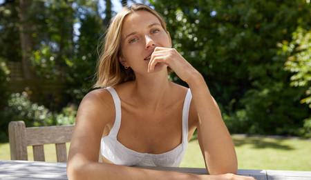 11 limpiadores faciales para pieles sensibles que calman un montón y son ideales para después de usar la mascarilla