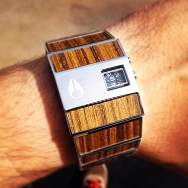Reloj Rotolog: un clásico de Nixon en madera de teca