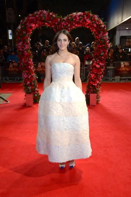 Jessica Brown look Dior