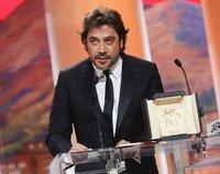 """Javier Bardem le dedica a """"su amor"""" Penélope Cruz el premio al mejor actor del Festival de Cannes ¡qué bonito!"""