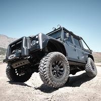 Land Rover Himalaya Spectre Defender: el 4x4 que te convertirá en el supervillano de Bond