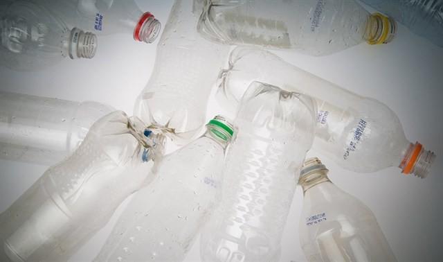 Una nueva forma de producir económicamente plásticos biodegradables
