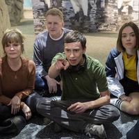 'Atípico' tendrá tercera temporada: la comedia de Netflix escapa de la última tanda de cancelaciones