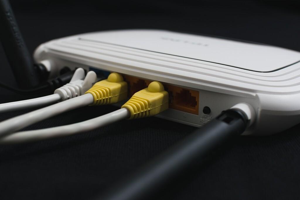 Aprovecha la fibra 10G de tu operador: guía de compra de dispositivos compatibles para exprimir la velocidad de 10 Gbps