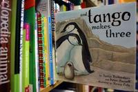 Singapur veta varios libros infantiles sobre la adopción por parte de homosexuales