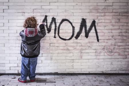 Cuando la travesura que acaba de hacer tu hijo te hace llorar... ¡de risa!