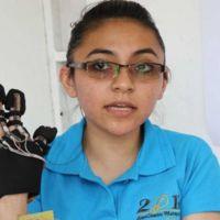 Politécnicos desarrollan guante para facilitar la comunicación a parapléjicos