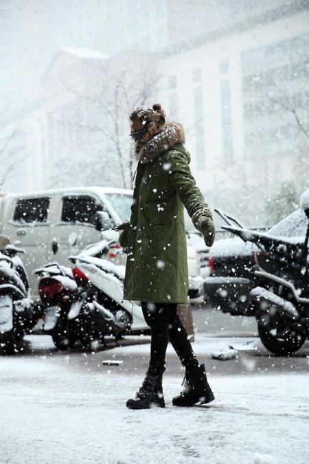 El Faux Fur Mas Cool De La Temporada Se Lleva En Las Capuchas Este Invierno
