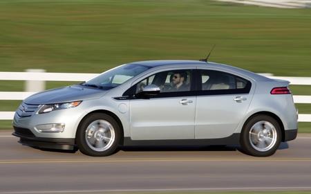 Chevrolet Volt gris plata 21