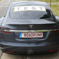 Superando los 900 km de autonomía con un Tesla Model S y una sola carga: conducción 'hypermiling'