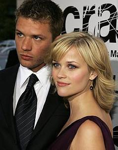 Reese Witherspoon se divorcia de Ryan Phillippe y pide los niños y la casa