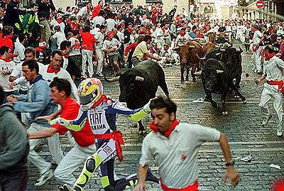 Mucha guasa con la caída de Valentino Rossi (II)