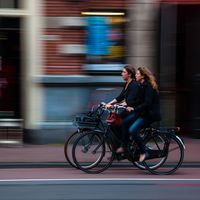 Madrid estrena ordenanza de movilidad sostenible y saludable: así tienes que moverte en bicicleta, patines o patinete a motor