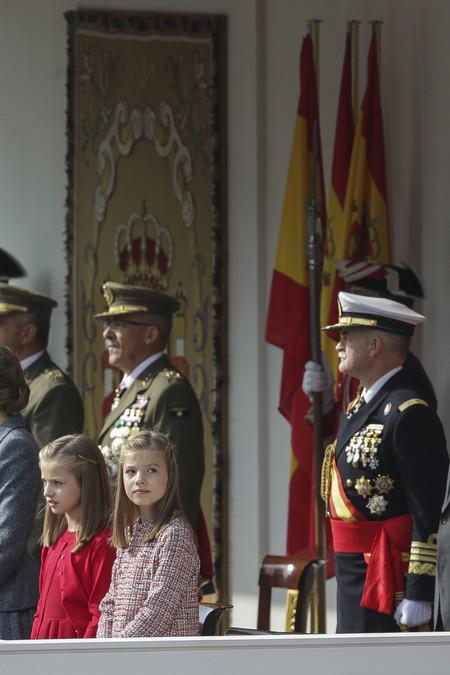 La princesa de Asturias elige el rojo de Carolina Herrera para su look en el Día de la Hispanidad