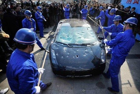 Lamborghini Gallardo destrozado en Quingdao