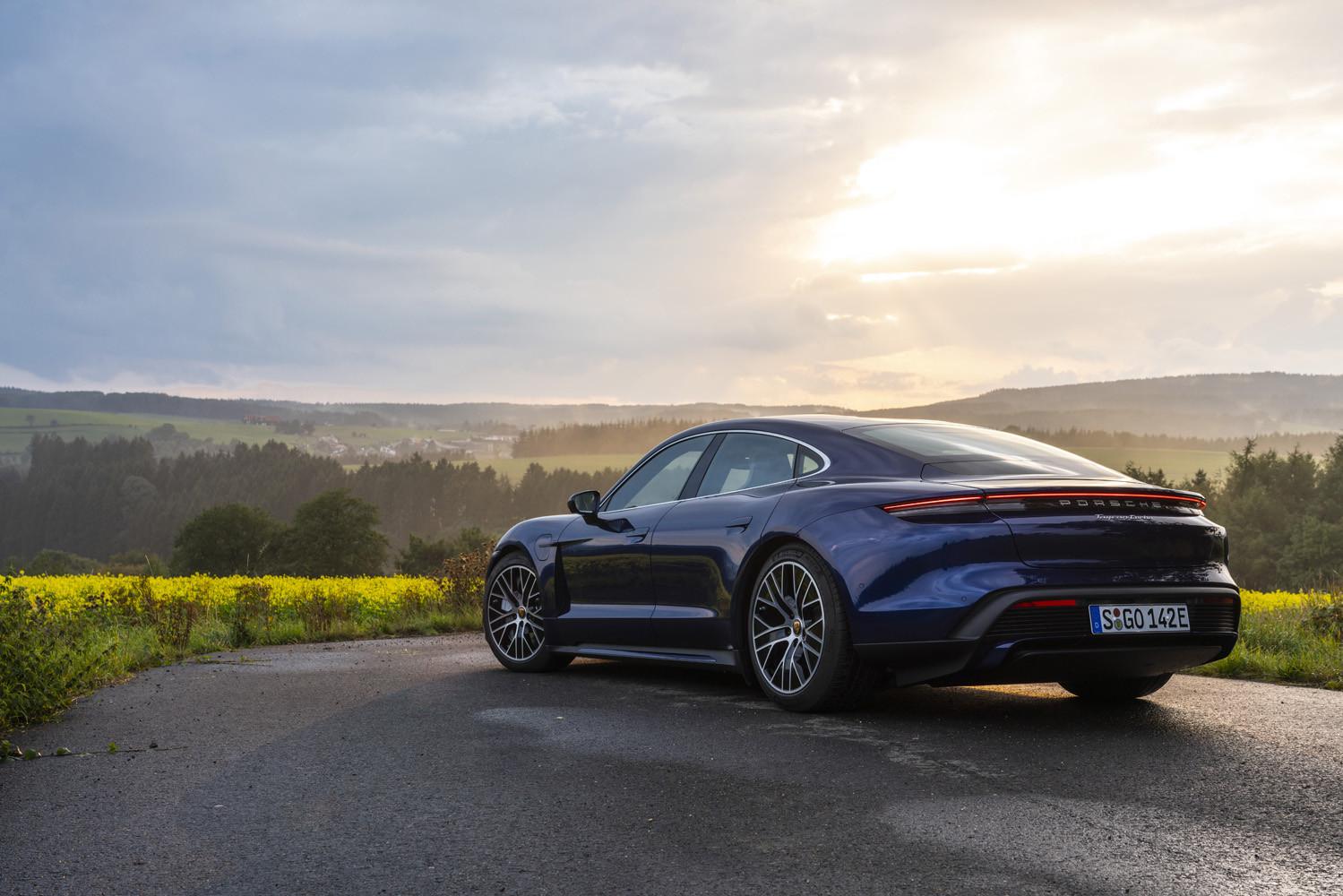 Foto de Porsche Taycan prueba contacto (37/275)