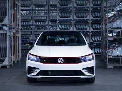 El Volkswagen Passat GT se pone picante con rostro deportivo y motor VR6