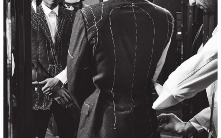 Dolce & Gabbana presenta su lookbook de invierno con piezas dignas de un rey