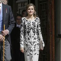 Doña Letizia repite el clon de Oscar de la renta firmado por Varela que tanto lío causó