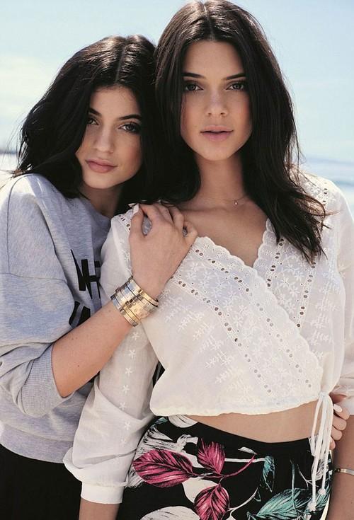 Kendall + Kylie, un sello de moda que gusta a las firmas