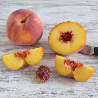Cómo cortar un melocotón o nectarina para sacar el hueso fácilmente: truco de cocina para aprovechar mejor la fruta