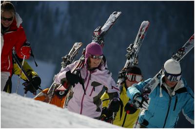 Consejos prácticos para prevenir lesiones en la práctica del esquí