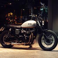 La Triumph Bonneville tributo a Steve McQueen se convierte en scrambler de la mano de Absolut Motorcraft