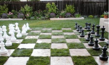 7 ideas para hacer un rinc n de juegos para ni os en el jard n for Patio chico con pileta
