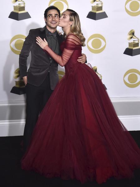 Grammy 2018 miley cyrus zac posen
