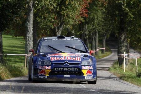 Kimi Raikkonen lejos de renovar con Red Bull
