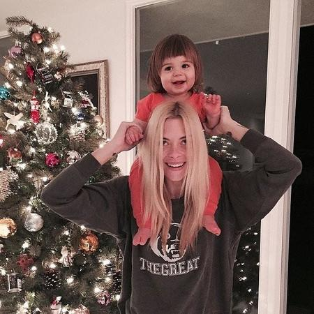 Jaime King James Knight Got Christmas Spirit