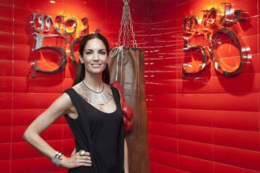 Eugenia Silva colabora en la selección de las nuevas joyas de Uno de 50: una vuelta al mundo