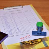 Cómo definir el tono adecuado de una evaluación