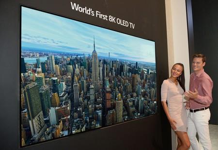 Con los contenidos 4K en pañales, LG presenta la primera pantalla OLED 8K del mundo [Actualizada]